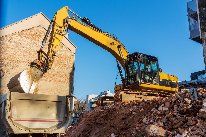 Demolizione di opere edilizie abusive, la normativa