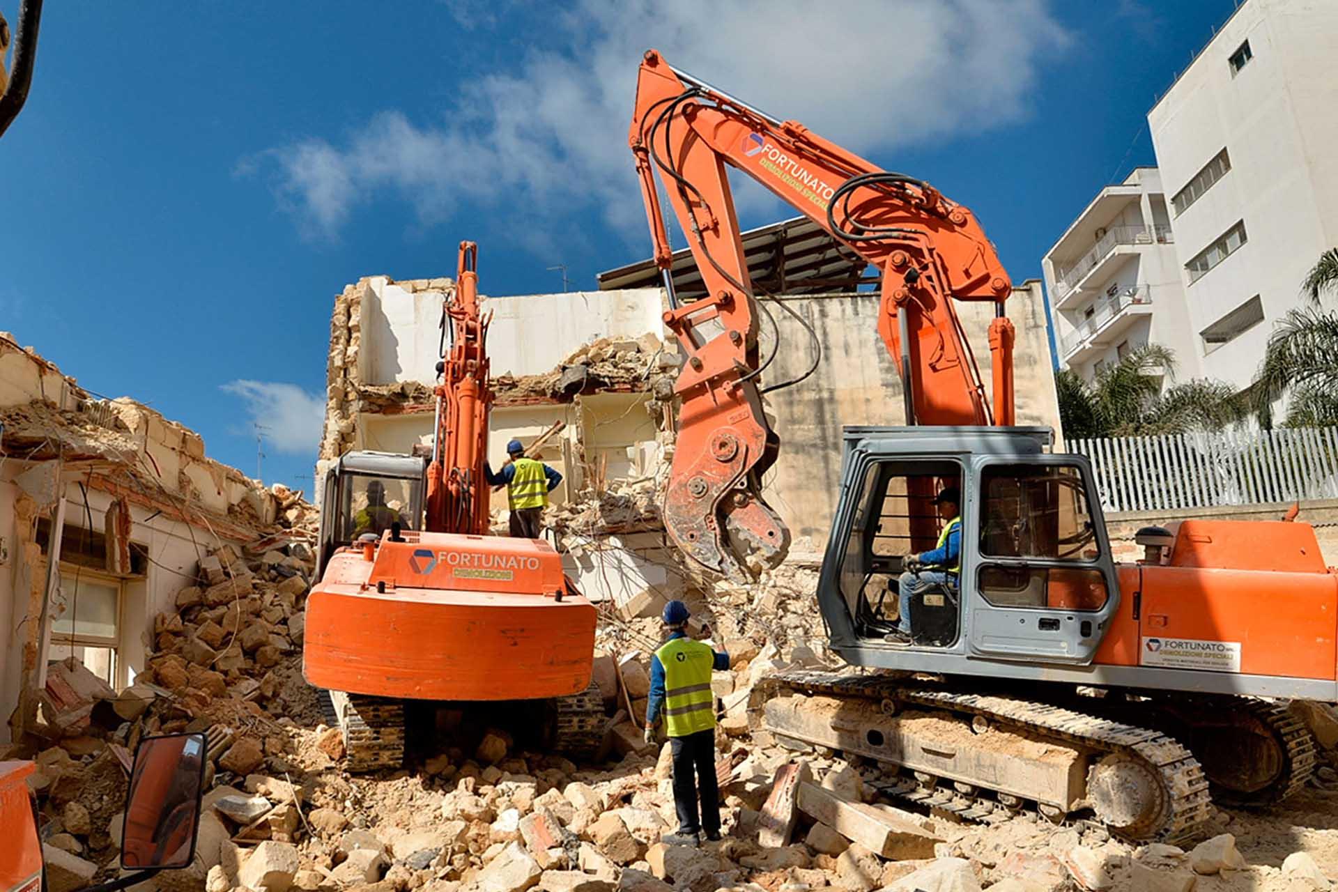 Demolizioni edifici in centro storico, come agire